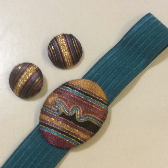 Accessories - WOMEN'S STRETCH BELT W/MATCHING BUCKLE & EARRINGS